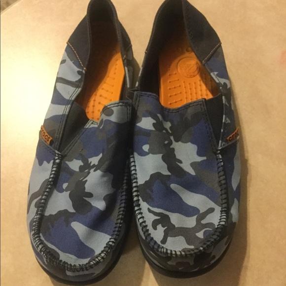 914f64dd7f7bd CROCS Shoes   Blue Camouflage Boys Youth Size 4   Poshmark